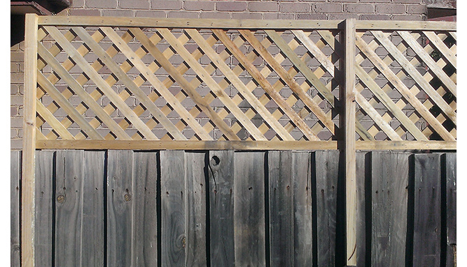 2400 X 500 Hardwood Diagonal Fence Extension - Screening